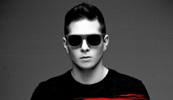 ASKTONDJ – Hit The Bass